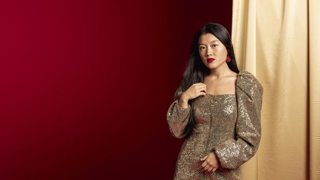 tyk kvinde i kjole